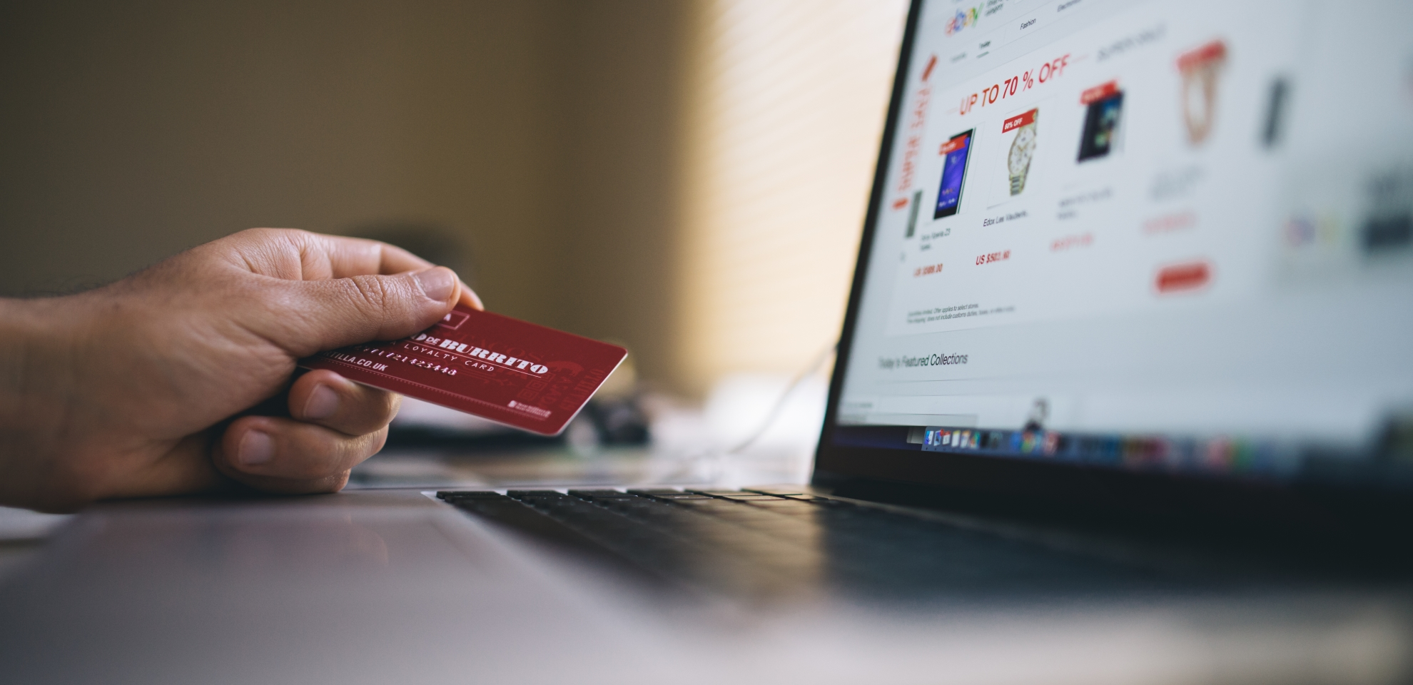 5 Small Business Benefits of Having a Merchant Account